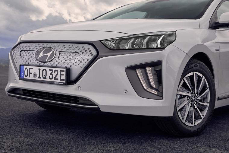 Hyundai Ioniq facelift grille