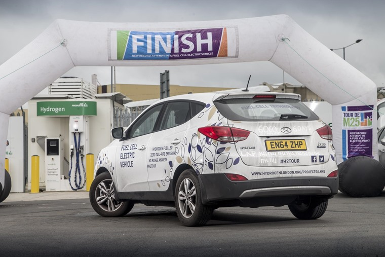 A Hyundai ix35 Fuel Cell has just covered 406 miles on a single tank