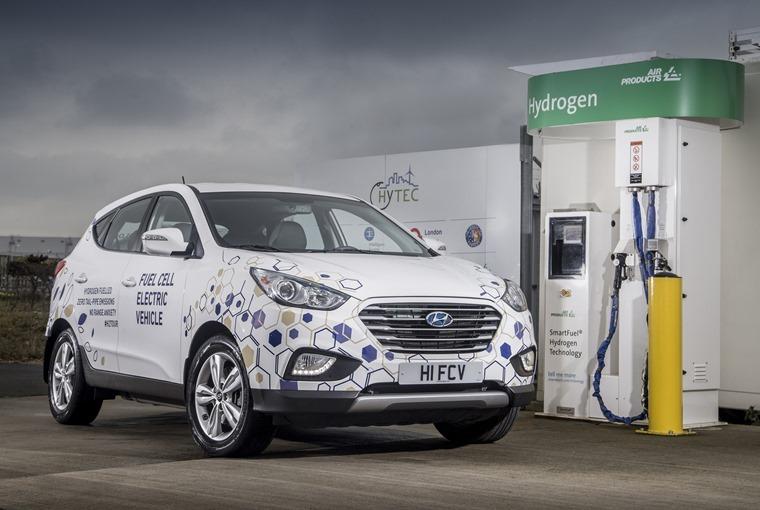 Hyundai-ix35-hydrogen-pump-white-5_2