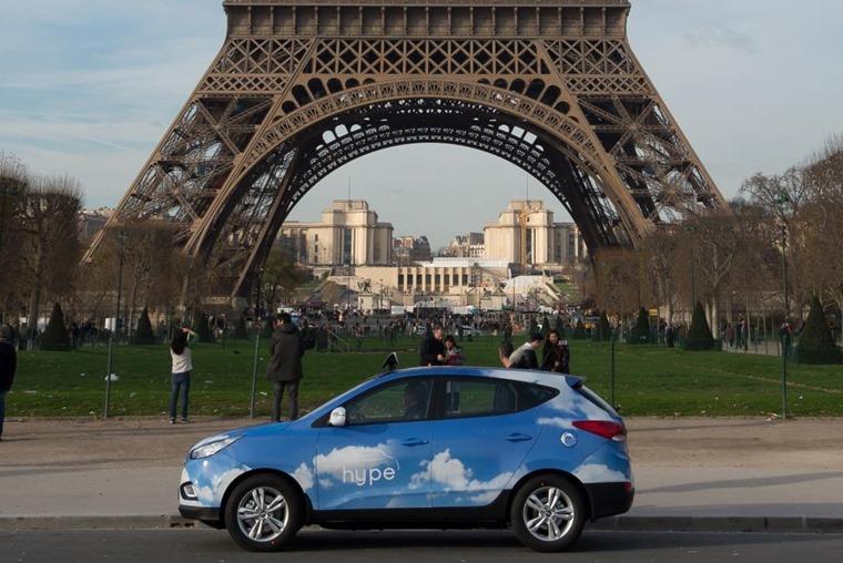 Hyundai ix35, Eiffel Tower.