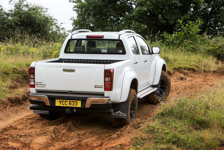 Isuzu D-Max Arctic Trucks AT35 load