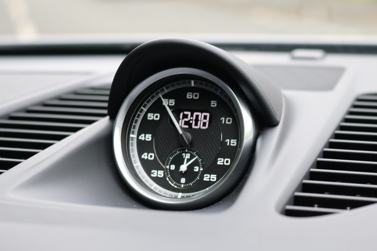 Among other add-ons, the Sports Chrono option adds a neat clock in the centre of the dashboard.