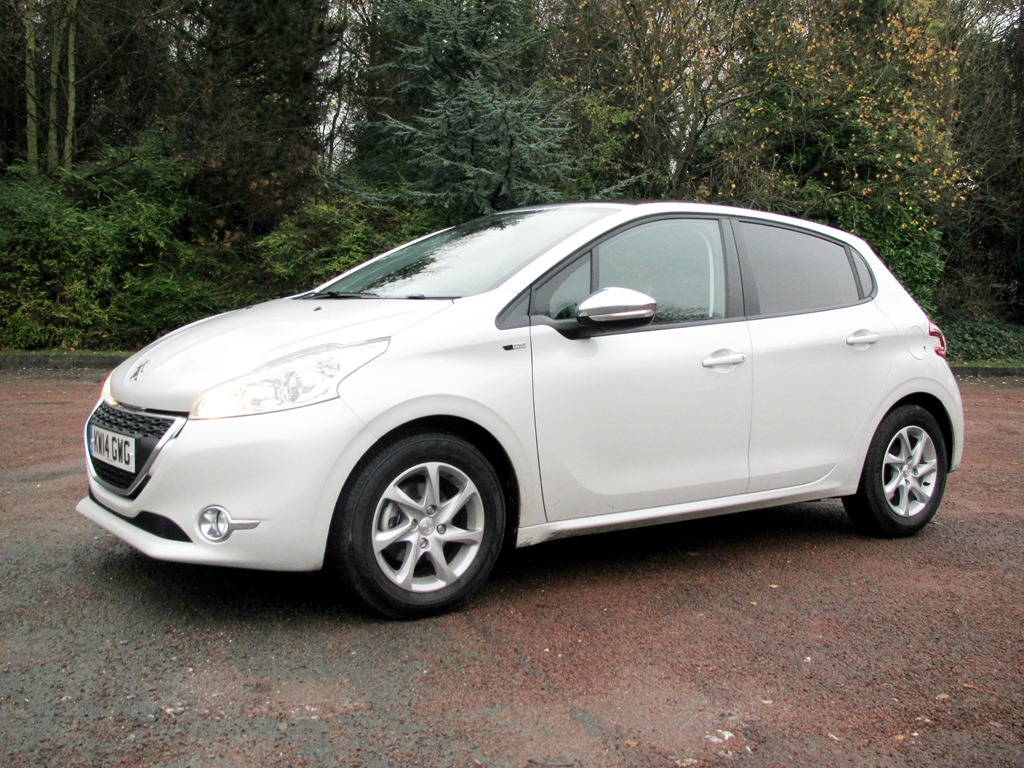 review: peugeot 208 style 1.2 vti | leasing