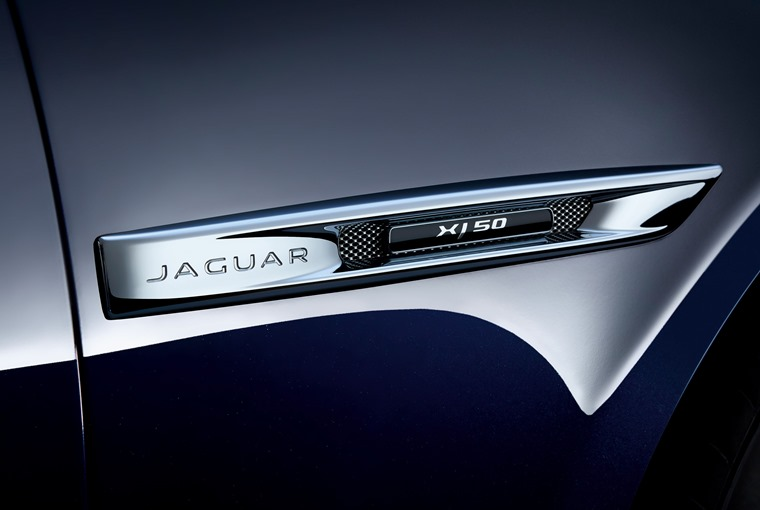 Jaguar XJ50 detail