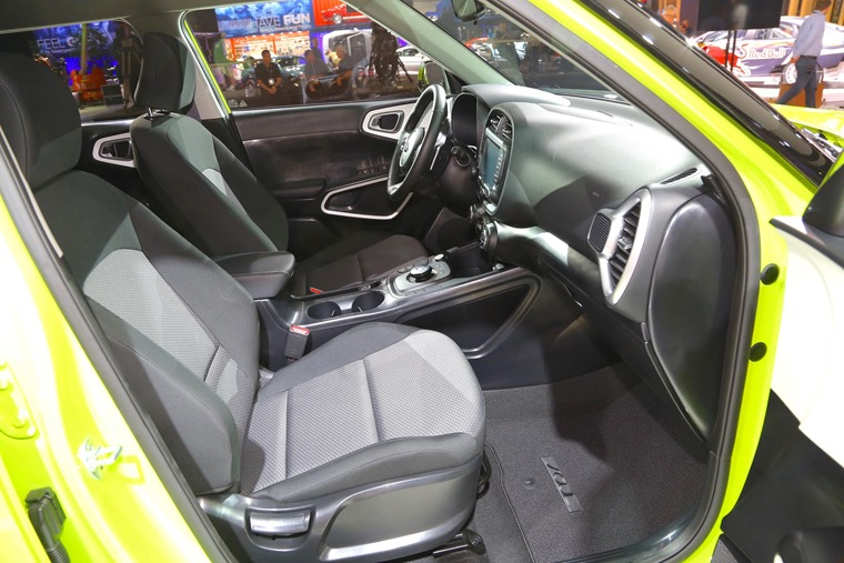 Kia Soul EV 2019 interior
