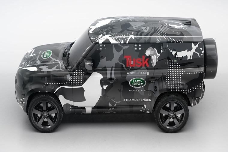 Land Rover Defender 2019 3