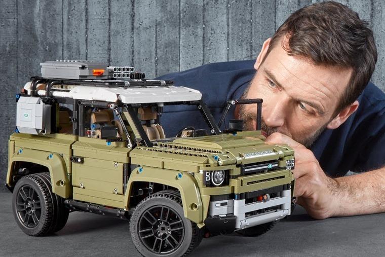 lego-technic-land-rover-defender