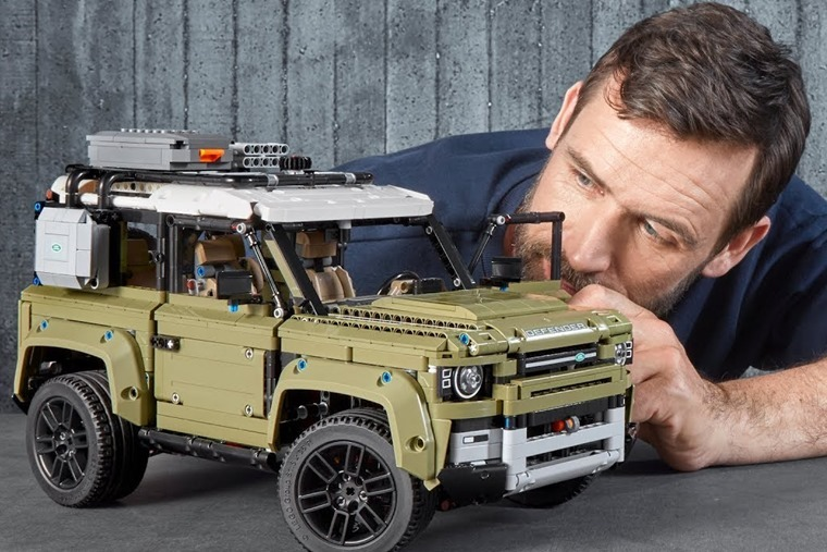lego-technic-land-rover-defender