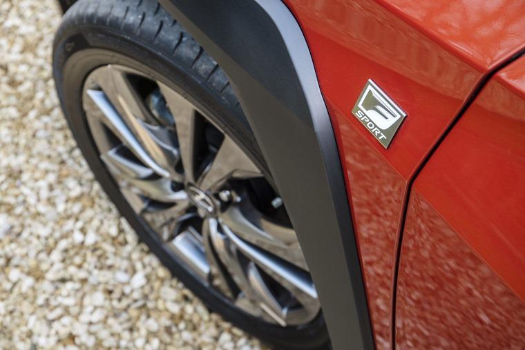 Lexus-UX-Details-19