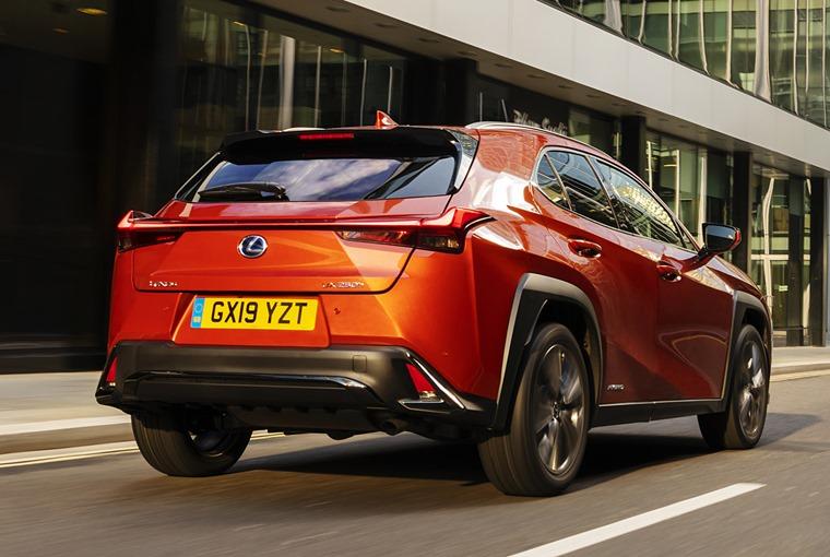 Lexus-UX-Dynamic-1