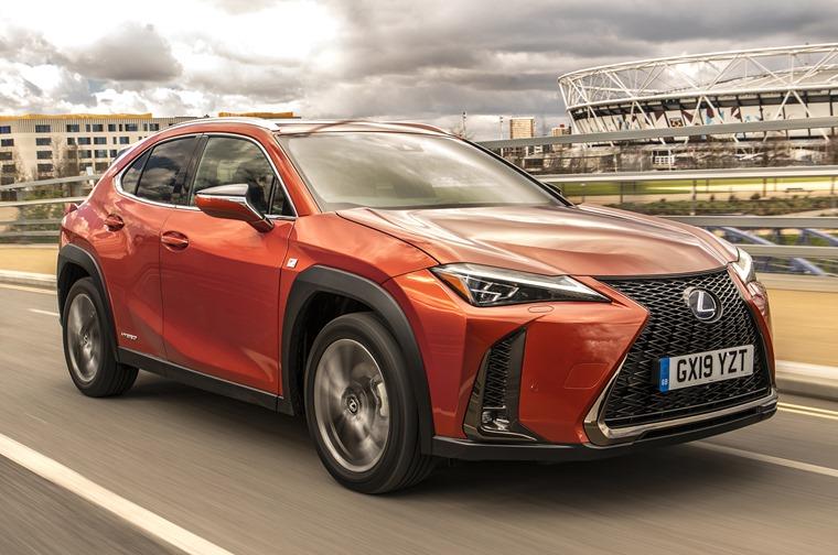 Lexus-UX-Dynamic-5