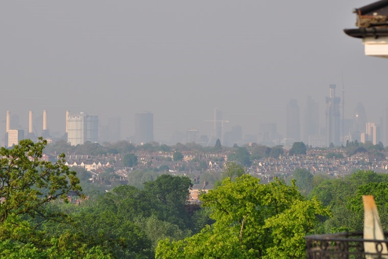 Automotive industry must pay for pollution, say MPs