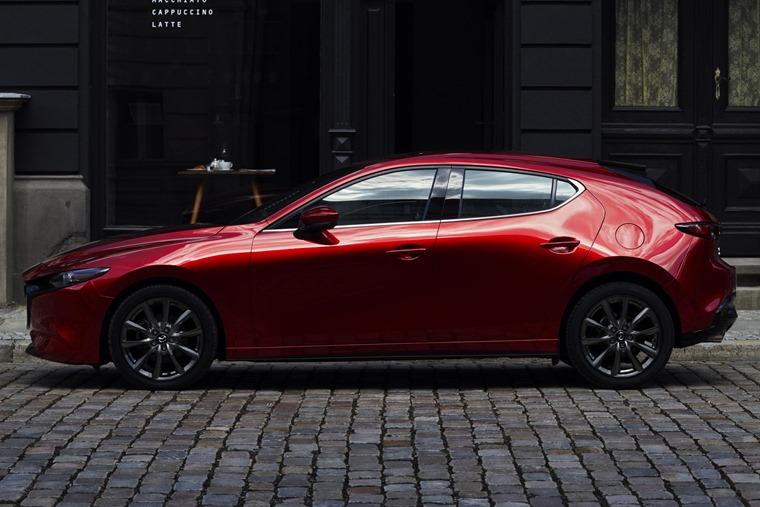 Mazda 3 2019 side