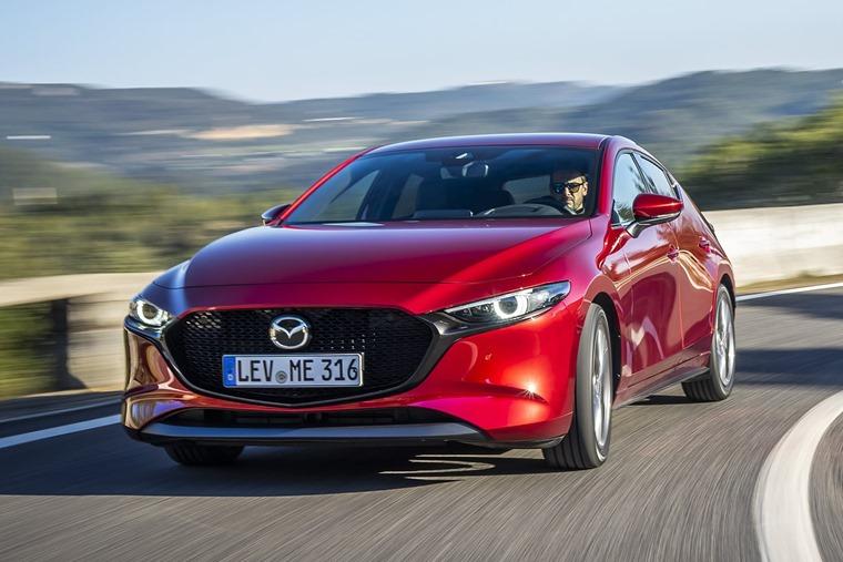 Mazda3_HB_SoulRedCrystal_Action-14