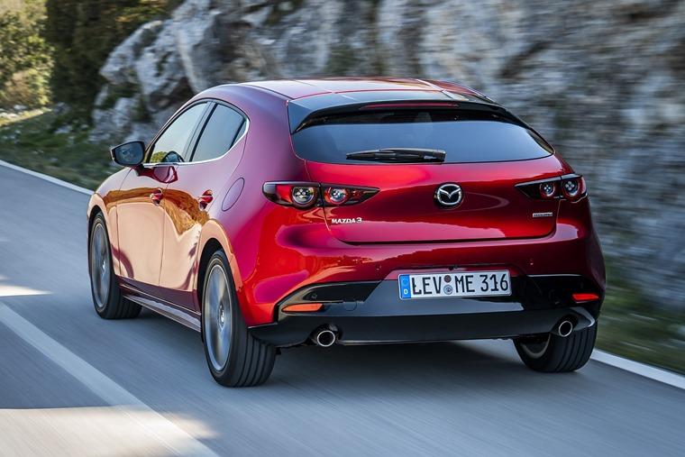 Mazda3_HB_SoulRedCrystal_Action-17