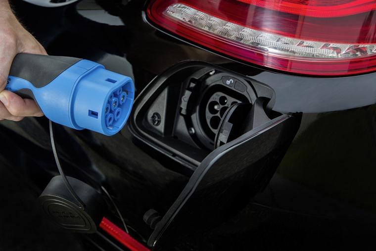 Mercedes-Benz S-Class Plug-In Hybrid S500 2014 (2)