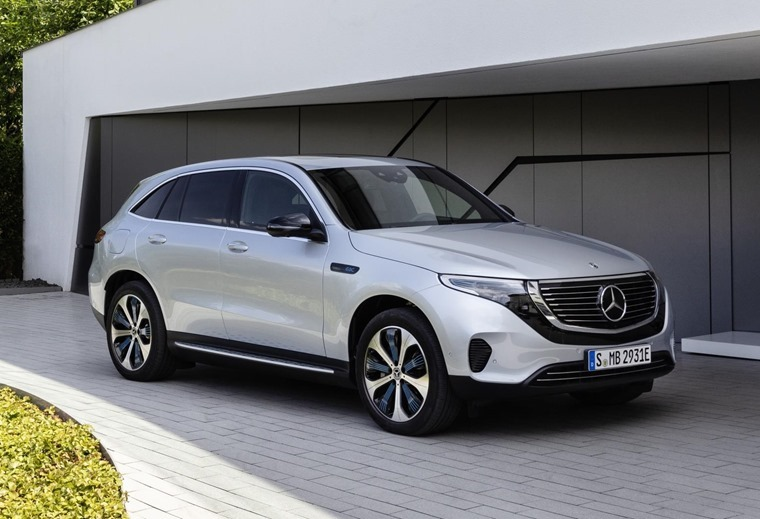 Mercedes EQC front os