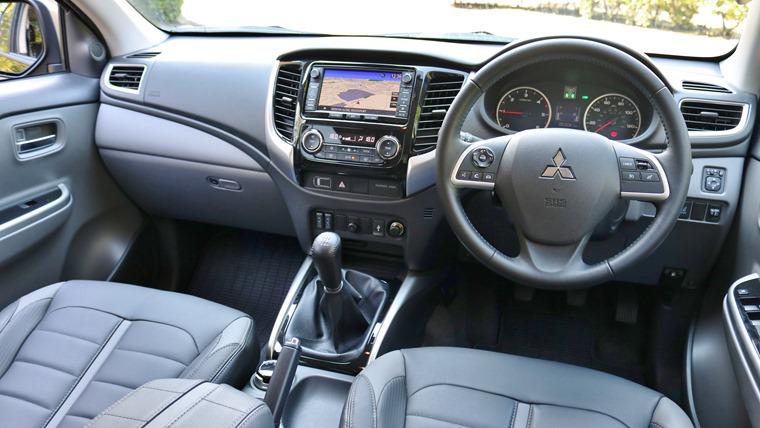 Mitsubishi L200 2015 Interior