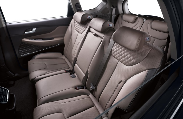 New Generation Hyundai Santa Fe Interior (3)
