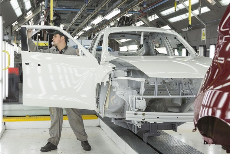 Nissan Juke on the production line