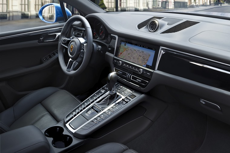 New Porsche Macan Makes European Debut