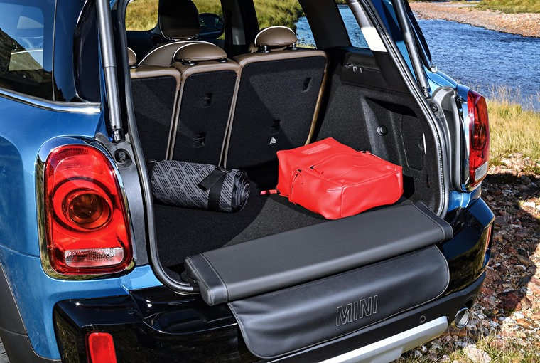 Mini Countryman 2017 Picnic Bench
