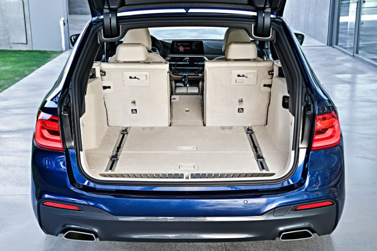 P90245032_highRes_the-new-bmw-5-series