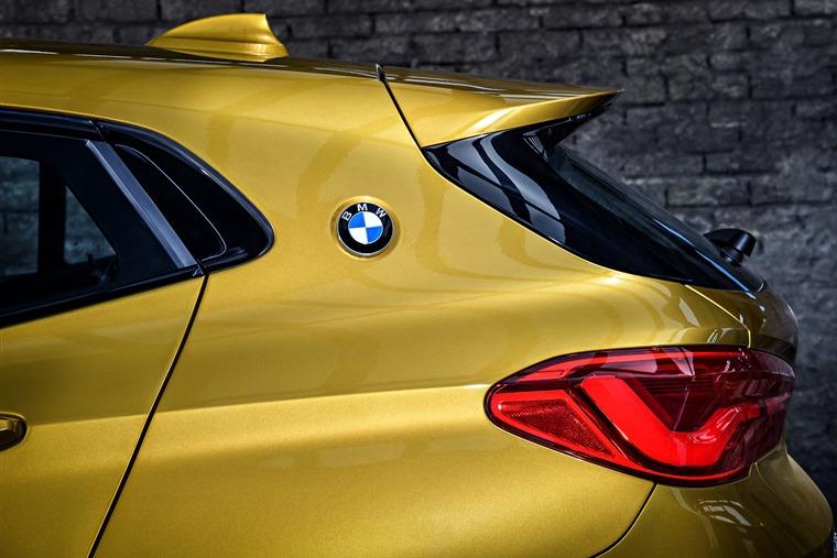 BMW X2 side-profile detail