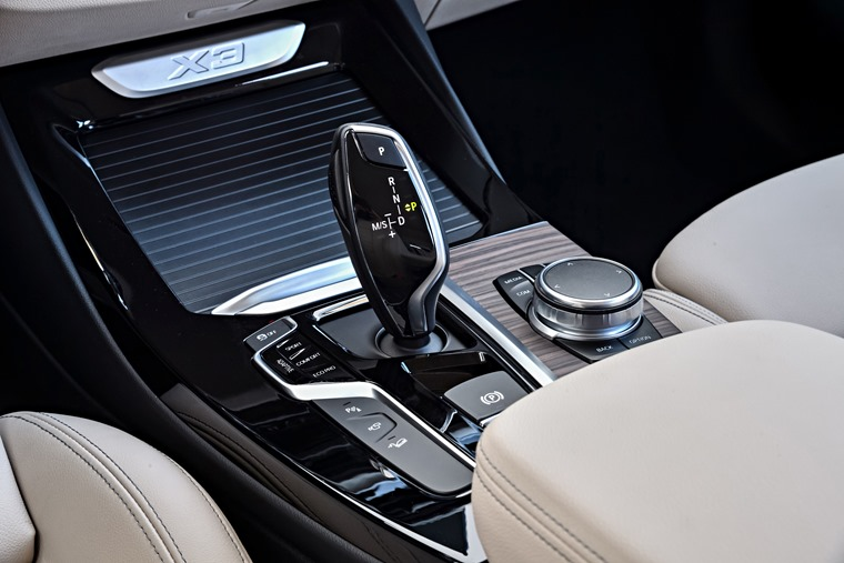 An eight-speed automatic gearbox is standard, but no manual option is offered.