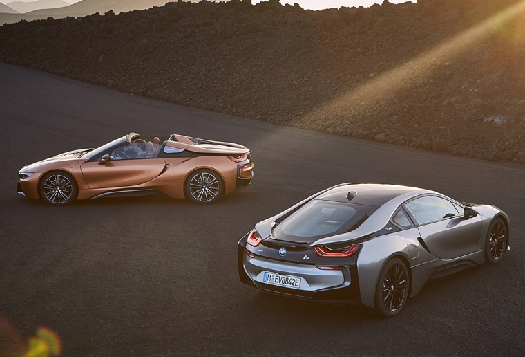 Updated i8 Coupe and new Roadster