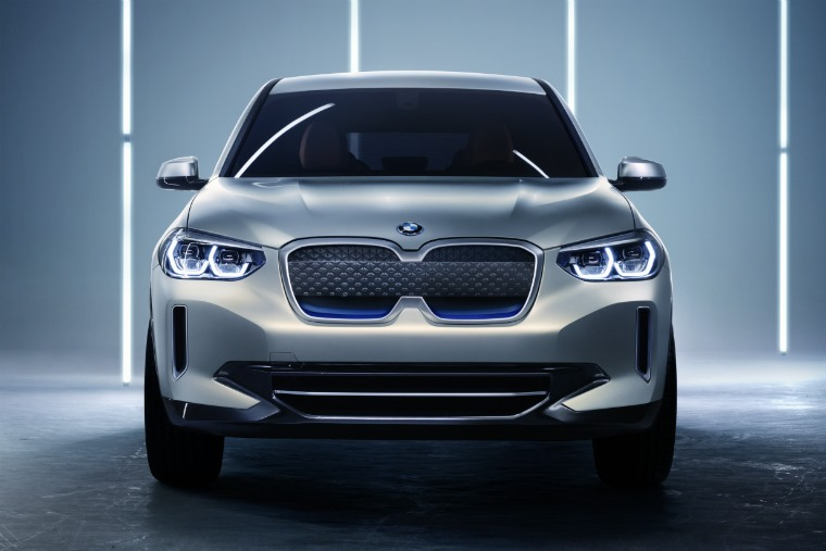 BMW iX3 concept 2018 front restyled grille