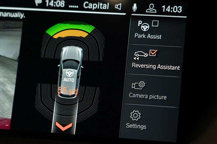 BMW Head-Up Display makes debut on 1 Series