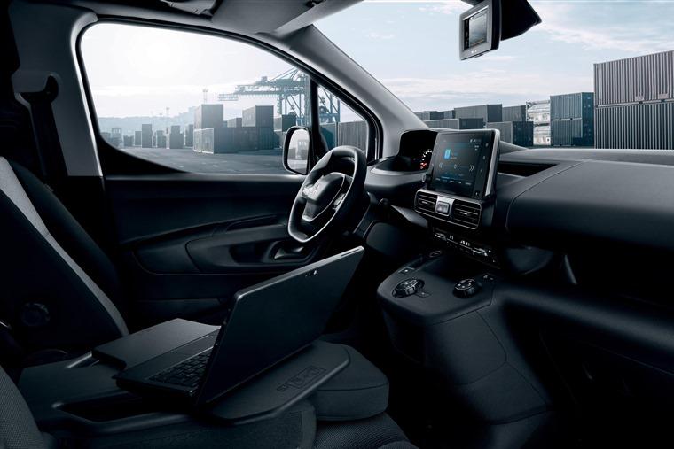 Peugeot Partner 2018 interior