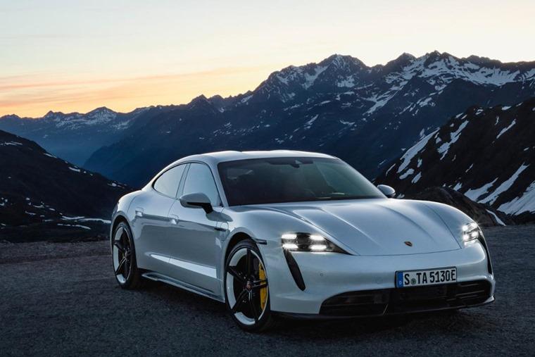 Porsche Taycan 2020 front