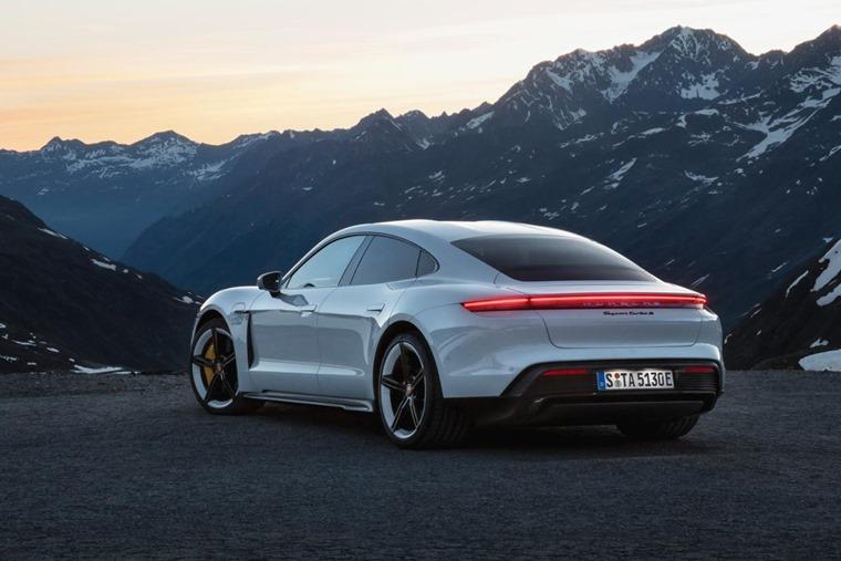 Porsche Taycan 2020 rear