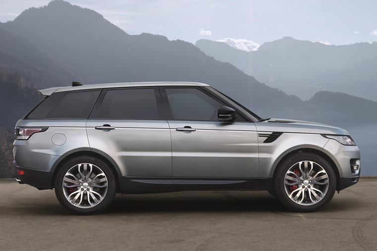On And Off Road The Range Rover Sport Gets Even More Tech For 2017