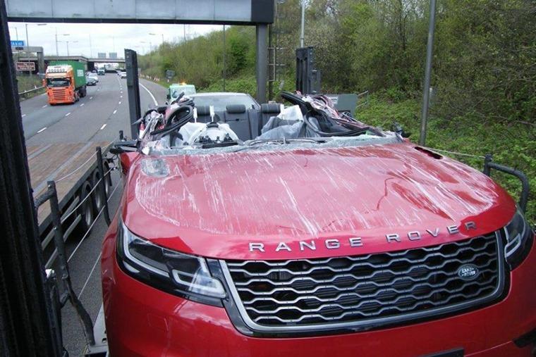 Range Rover Velar crash overhead gantry