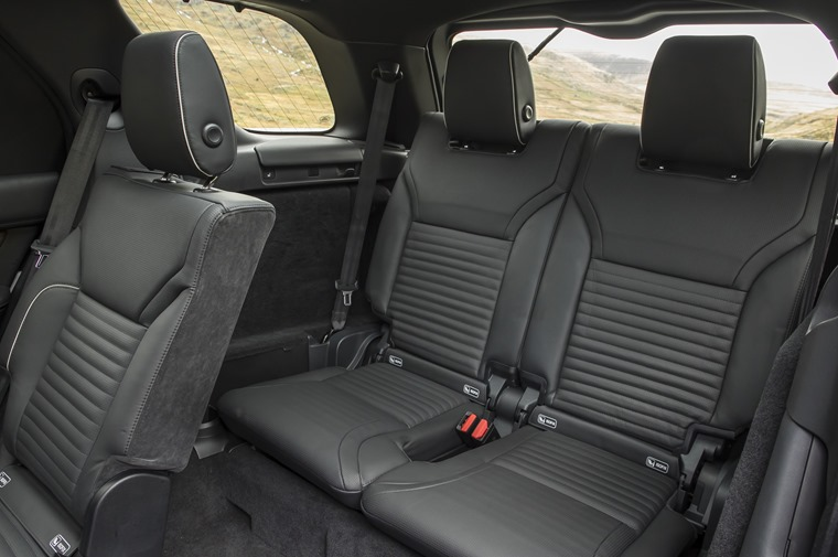 Land Rover Discovery rear seats interior
