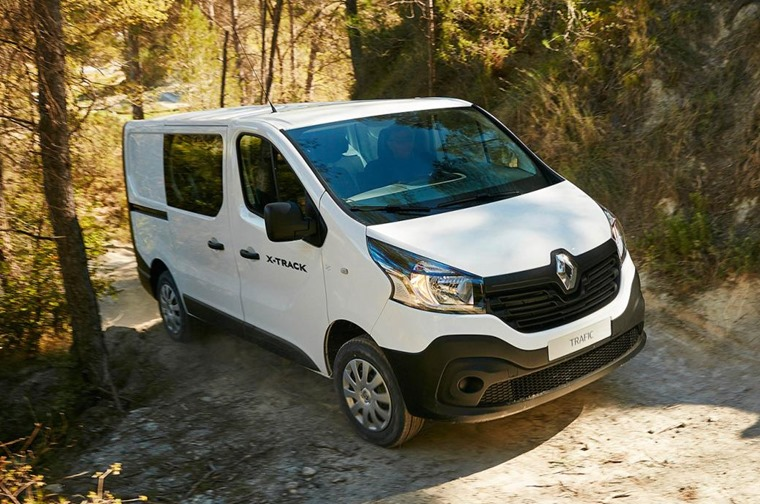 Renault Trafic X-Track White Front Static