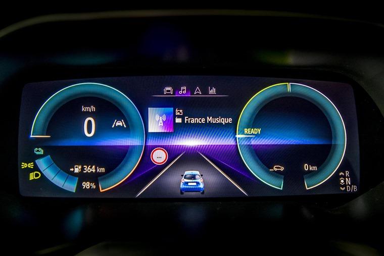 Renault Zoe 2020 driver display