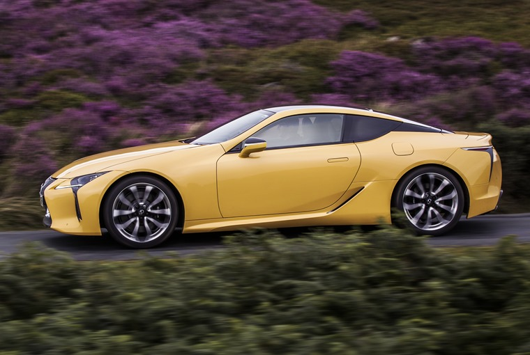 Lexus LC500 side dynamic