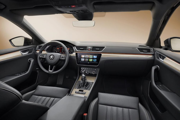 Skoda Superb 2019 interior