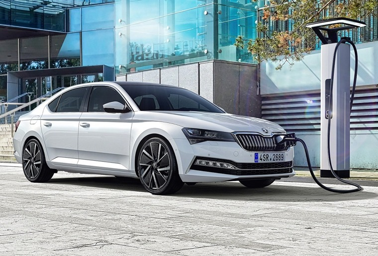 Skoda Superb 2019 iV hybrid