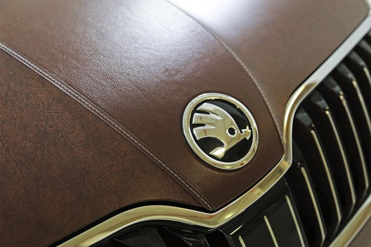 Skoda Superb leather Florence Uni 2015 bonnet and grille