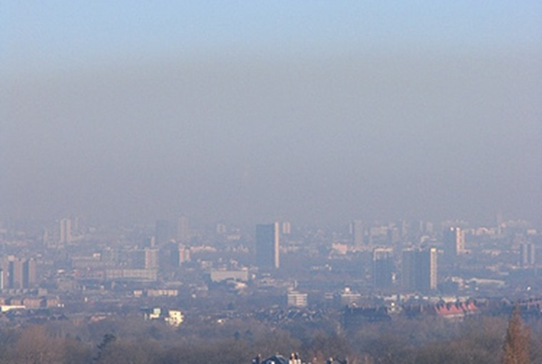 Smog over London Flickr user Epeigne37