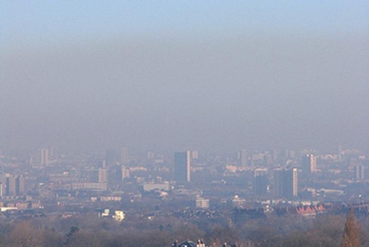 Smog over London Flickr user Epeigne37