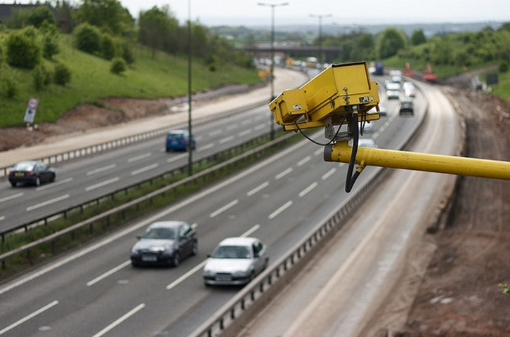 Speed-camera-on-the-motorway-flickr-user-dave-rutt_2