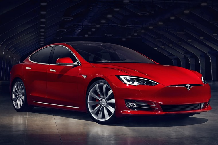 Tesla Model S facelift red