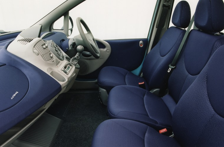 The Fiat Multipla featured a six-seat design.