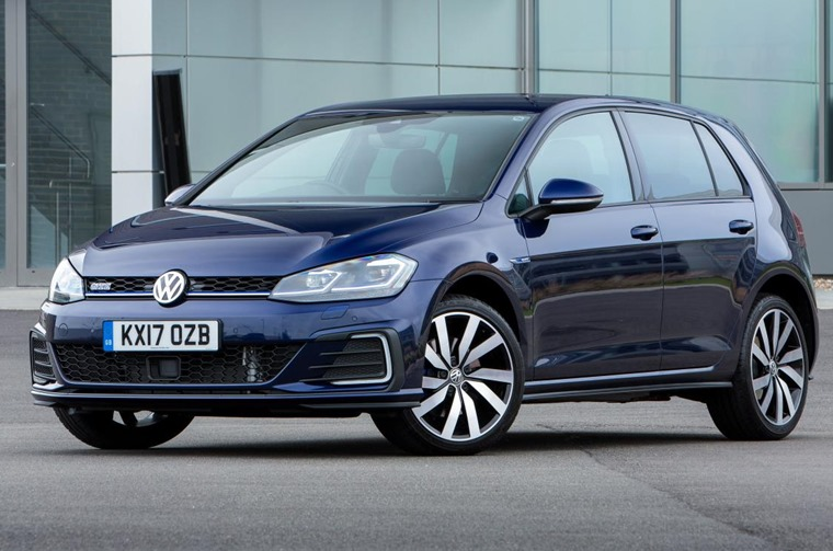 The last month of the 17 plate saw the Golf retake its position as the month's most popular car.